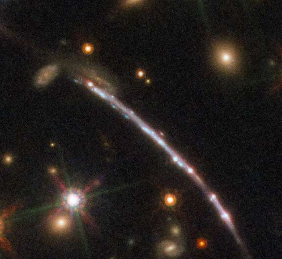 Hubble captures a dozen Sunburst Arc doppelgangers