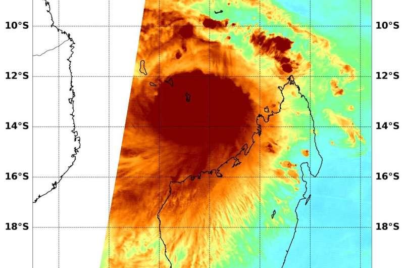 NASA examines Tropical Cyclone Belna's water vapor concentration