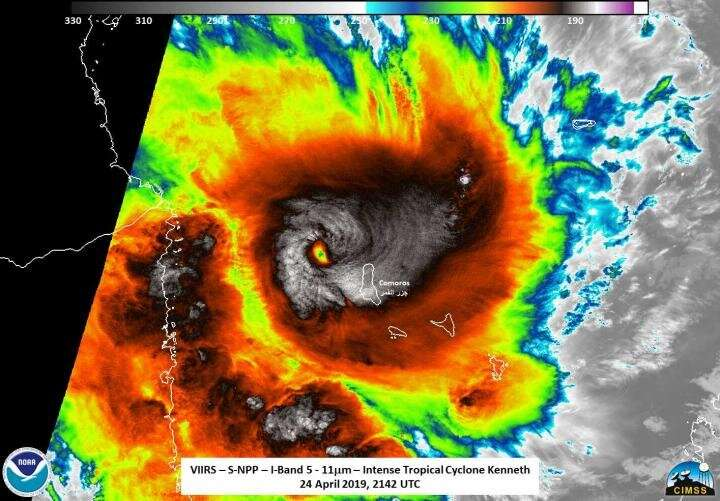 NASA-NOAA satellite catches intense Tropical Cyclone Kenneth make landfall in northern Mozambique