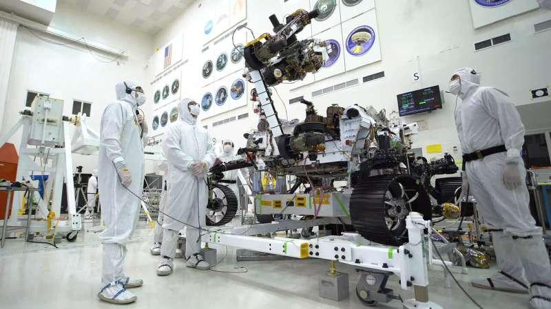 NASA's Mars 2020 rover does biceps curls