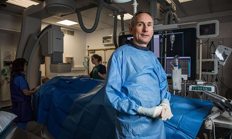 Additional heart artery stenting reduces risk of future heart attacks