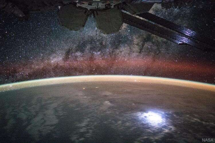 Analyzing gravity waves at the edge of space