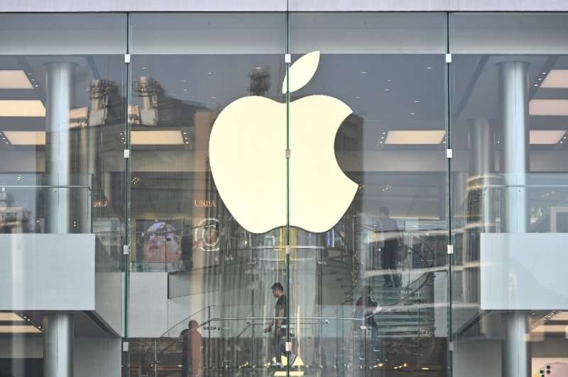 Apple removed a HKmap.live mobile application from the App Store after criticism by Beijing
