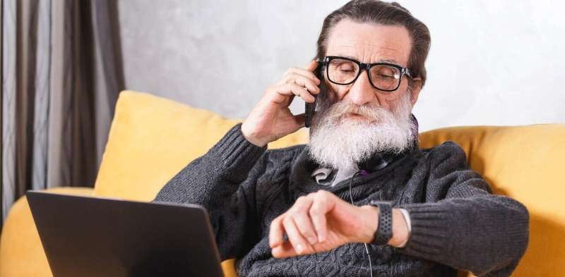 Better design could make mobile devices easier for seniors to use