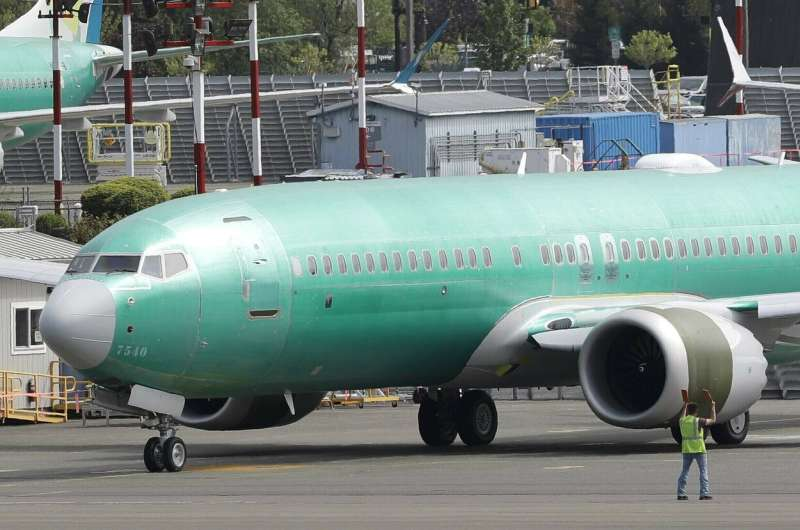 Boeing changing Max software to use 2 computers
