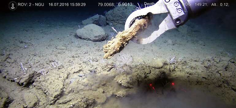 Changes in ice volume control seabed methane emissions