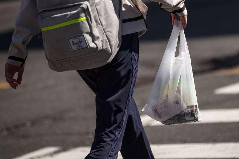 Companies that break New Zealand's plastic bag ban will face heavy penalties