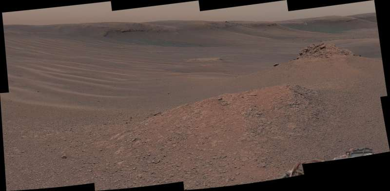 Curiosity tastes first sample in 'clay-bearing unit'