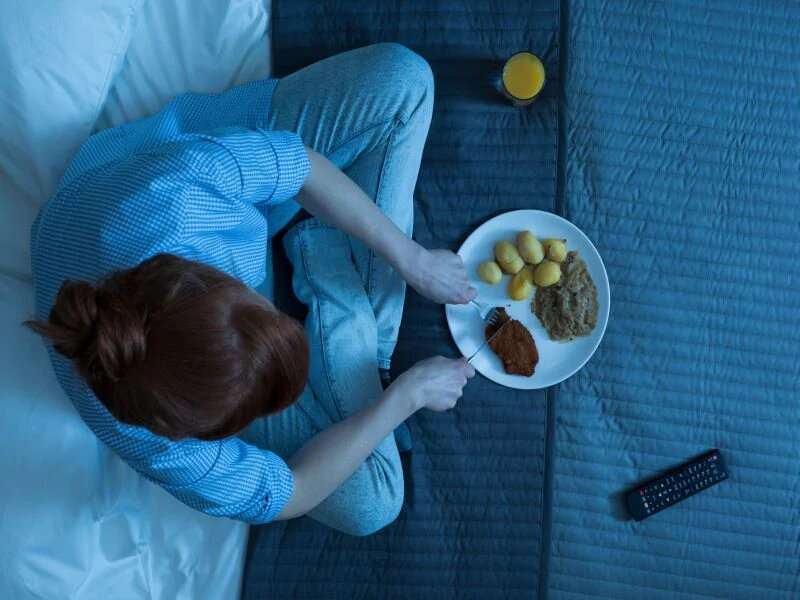 Evening meals could harm the female heart, study shows