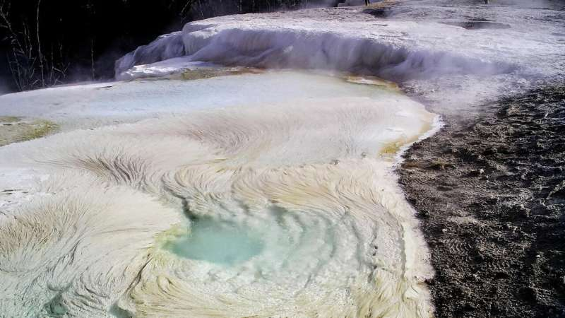 'Fettuccine' may be most obvious sign of life on Mars, researchers report