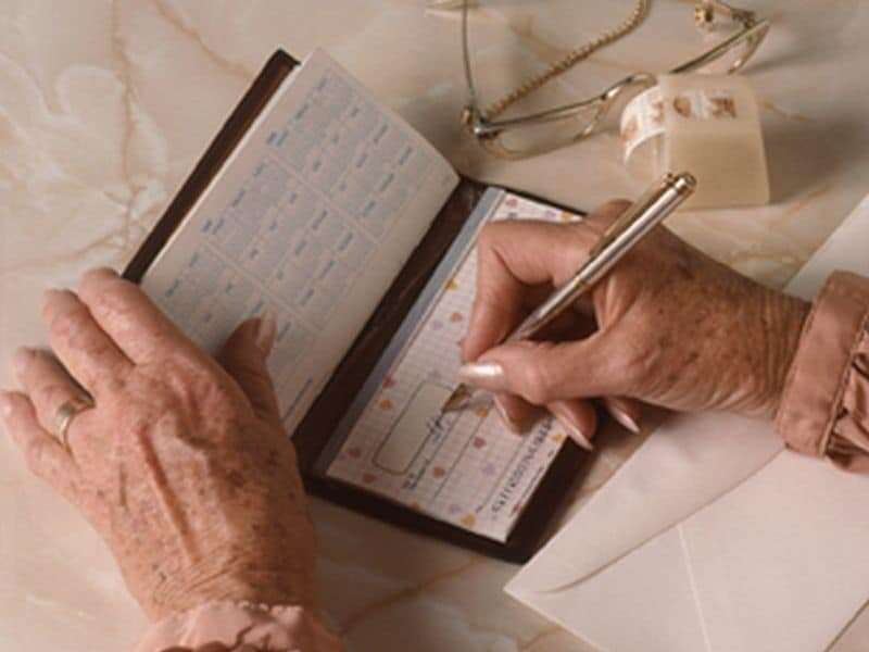 For seniors, financial woes can be forerunner to alzheimer's