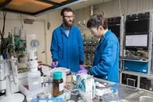 Free of heavy metals, new battery design could alleviate environmental concerns