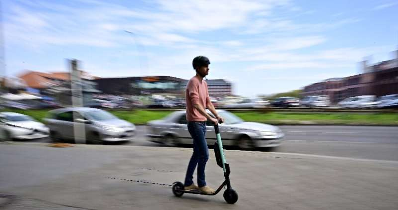 Germany's decision to authorise electric scooters on streets will probably provoke conflicts with cyclists, Social Democrat poli