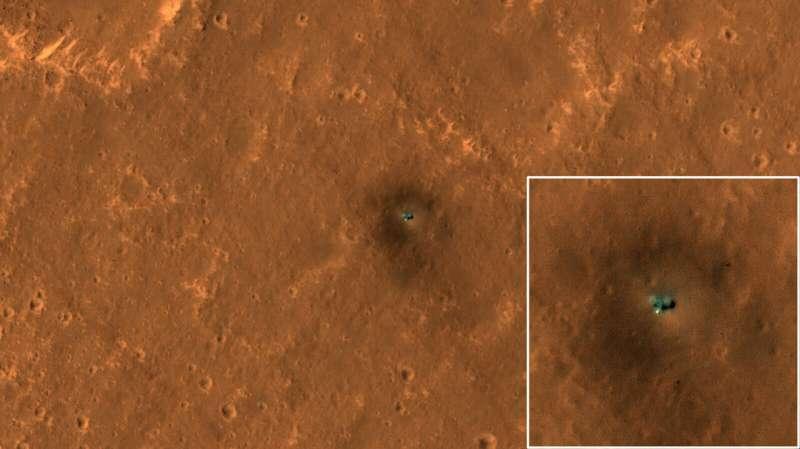 HiRISE views NASA's InSight and Curiosity on Mars