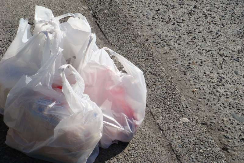 How banning plastic bags could help New York mitigate climate change