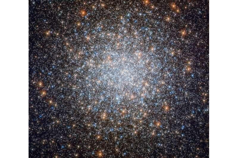 Hubble peers at cosmic blue bauble