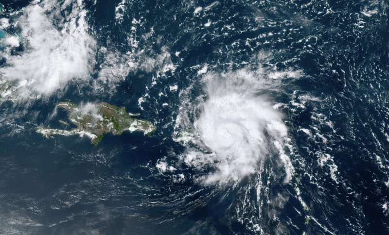 Hurricane Dorian picks up steam, menaces Florida