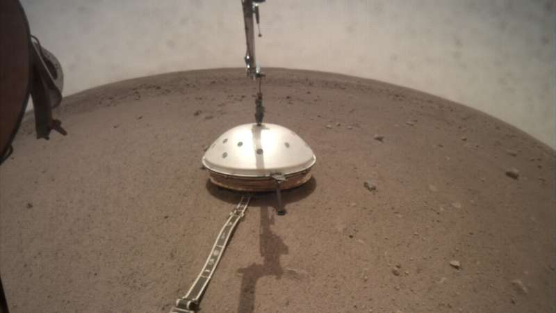 InSight's Seismometer Now Has a Cozy Shelter on Mars