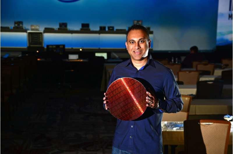 Intel announcement blitz: Xeon Platinum 9200 is cherry on top
