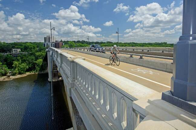 Investments in biking routes improve access to jobs in US metros