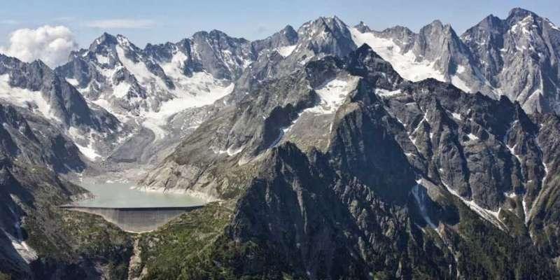 Large storage potential in future ice-free glacier basins