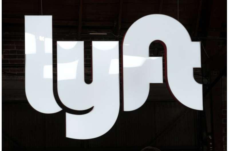 Lyft posts losses despite revenue growth, improves outlook