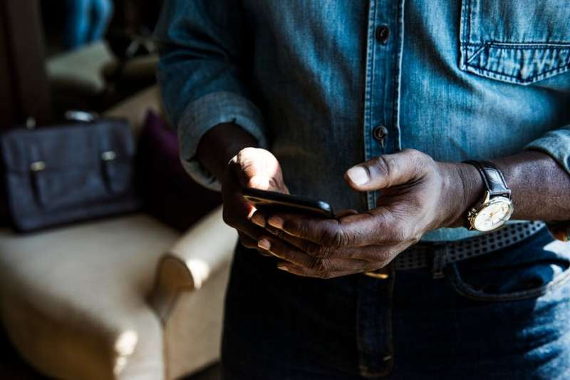 Mobile access won't fix the digital divide. Fixed-line is needed, too