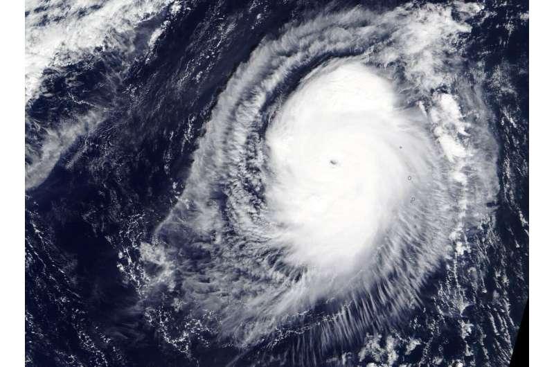 NASA gets an eyeful of Typhoon Fengshen