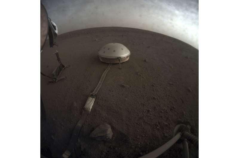 NASA lander captures marsquakes, other Martian sounds