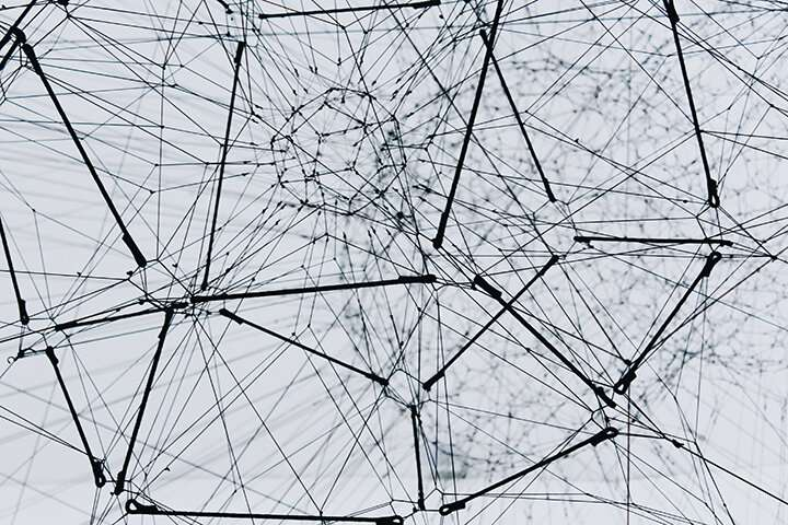 New method of analyzing networks reveals hidden patterns in data