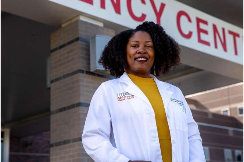 New prevention program uses emergency room to reach black women at risk for HIV