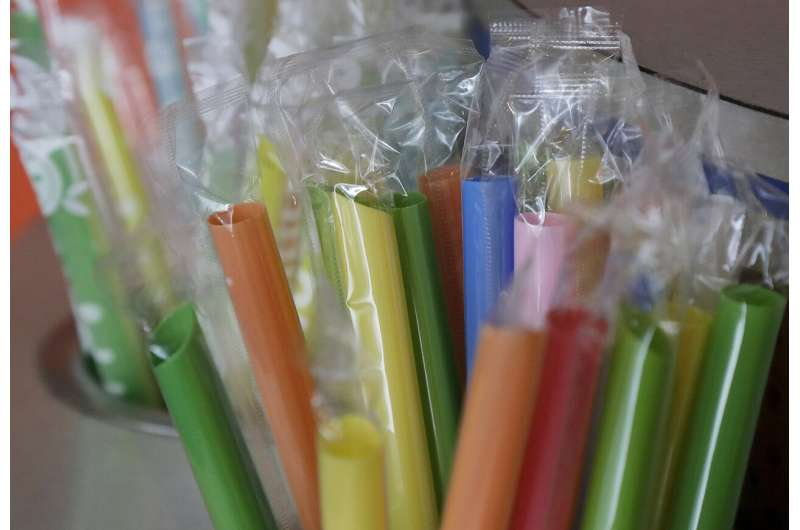 Oregon votes to ban restaurants from offering plastic straws