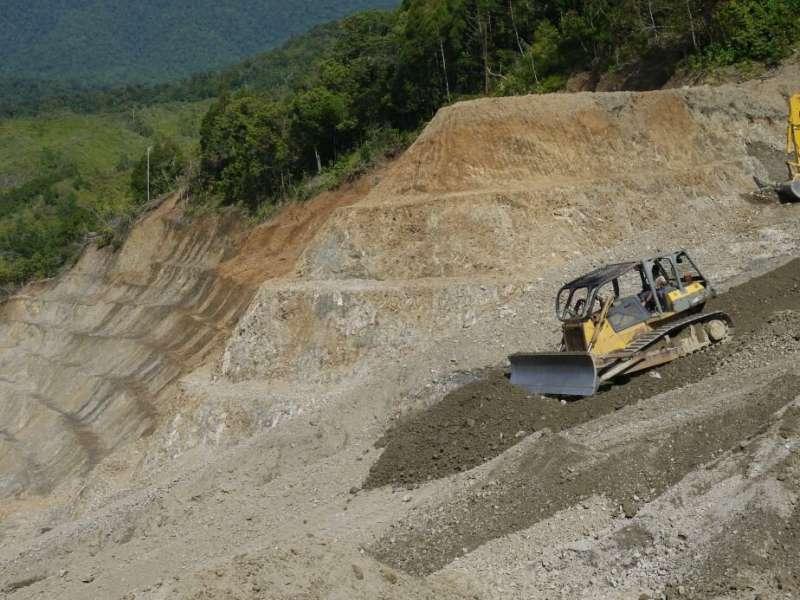 PNG roadbuilding spree threatens environment, communities and economy