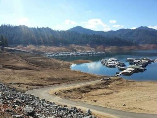 Population increases and climate change point to future US water shortages