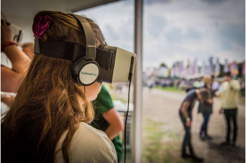 Randomized trial at music festival shows potential of virtual reality for CPR training
