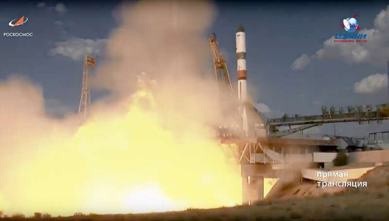 Russian spaceship brings 3 tons of supplies to space station