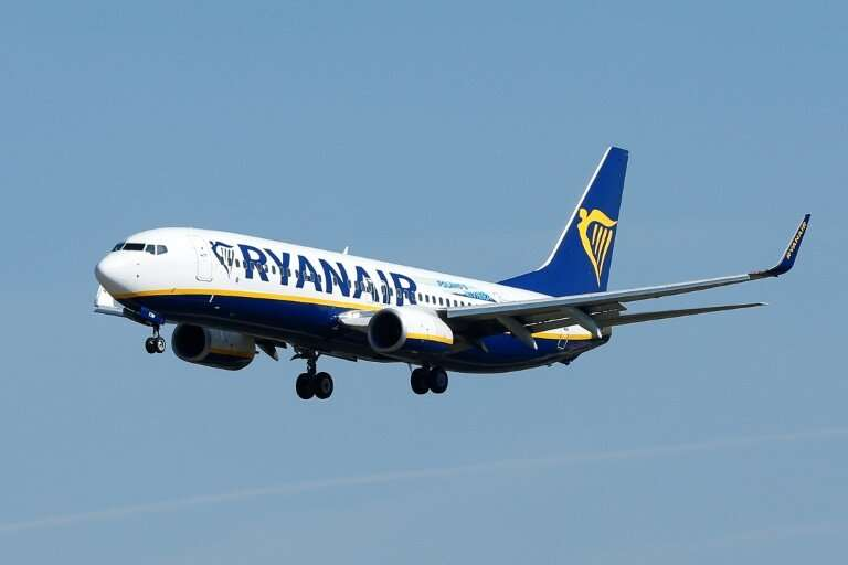 Ryanair has issued a fresh profit-warning, blaming lower air fares