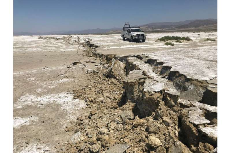 Seismologists monitor ridgecrest aftershocks using novel fiber optic network