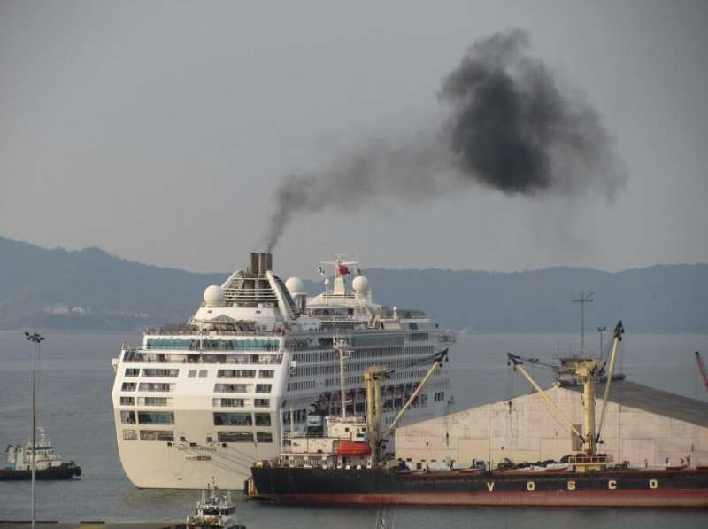 Ship emissions responsible for thousands of premature deaths in China's Pearl River Delta