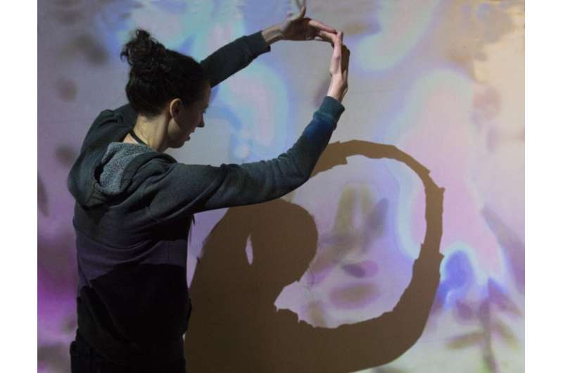 Stanford-made exhibit plunges people in the world of microbes