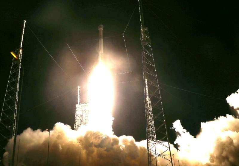 The Atlas V rocket carrying the Starliner capsule lifted off normally from Cape Canaveral, Florida, but a clock problem prevente
