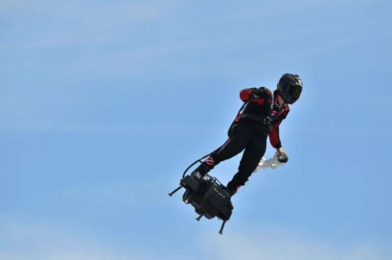 The flyboard can reach speeds up to 190 kilometres an hour (118 mph)