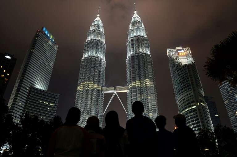 The thirteenth edition of Earth Hour, organised by the green group WWF, will see 24 landmarks each go dark for 60 minutes throug