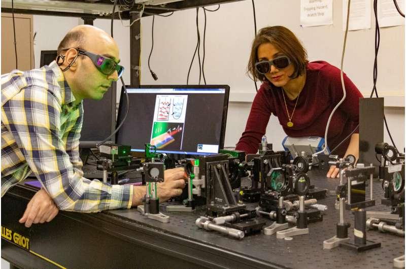 UCF researchers develop first sypersymmetric laser array
