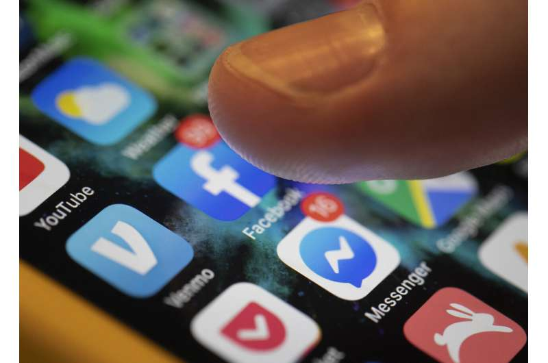 US plans for fake social media run afoul of Facebook rules