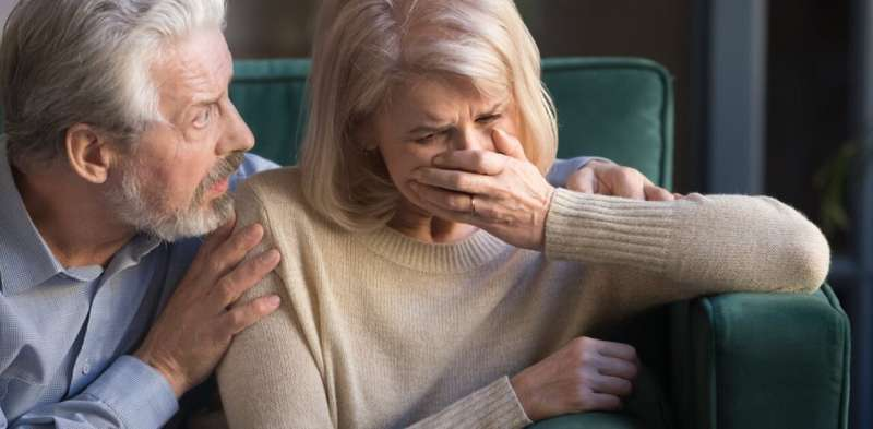 When a baby is stillborn, grandparents are hit with 'two lots of grief'. Here's how we can help