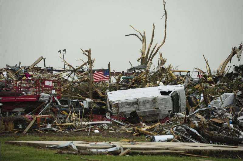 When natural disaster strikes, men and women respond differently