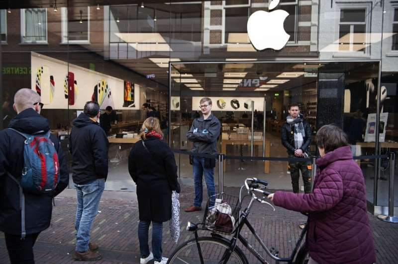 Apple is closing all of its stores outside China until March 27, with CEO Tim Cook saying he had learnt from steps taken in Chin