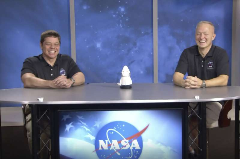 Astronauts: SpaceX Dragon capsule 'came alive' on  descent