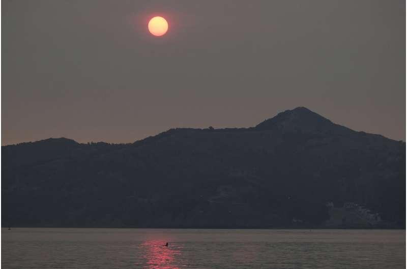 California slammed by wildfires, heat, unhealthy smoky air